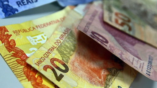 Câmbio alto e falta de oferta de produtos aumentam a inflação no Brasil