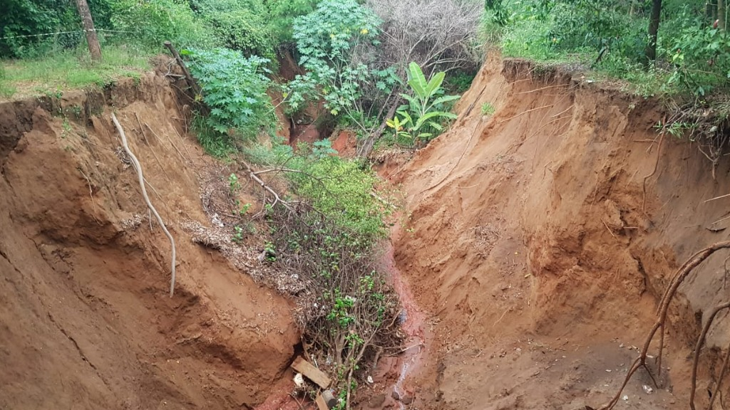 Cratera no Jardim Munique continua a preocupar moradores