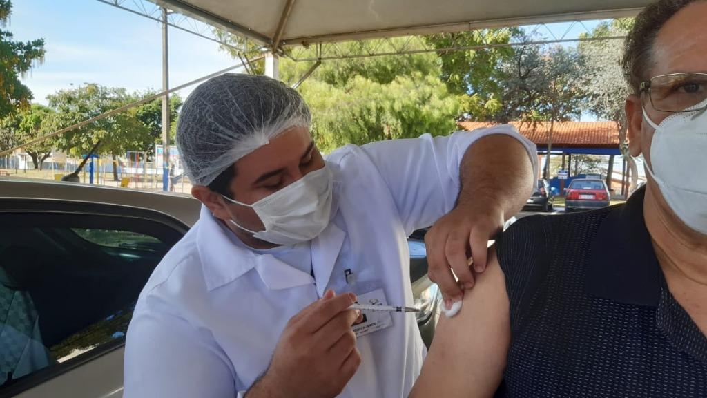 São Carlos não tem previsão para vacinar motoristas e cobradores contra Covid-19