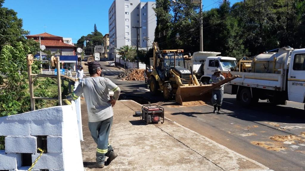 Obra em ponte interditada deve durar dois dias, afirma Prefeitura