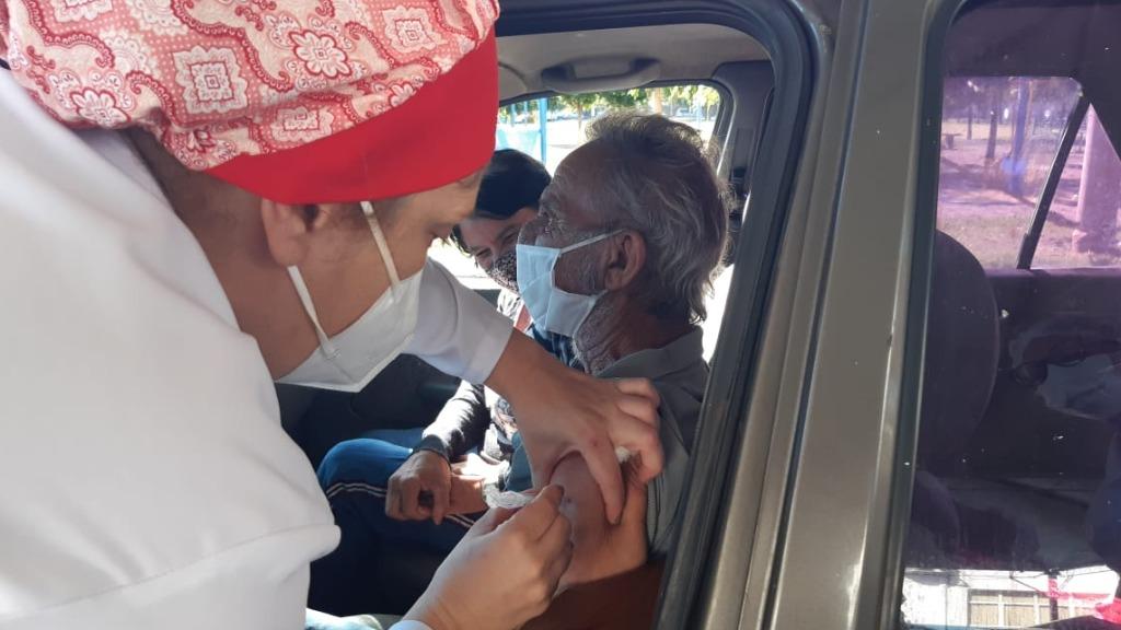 Vacinação contra Covid-19 em idosos de 66 anos. Foto: CBN São Carlos - Foto: ACidade ON - São Carlos
