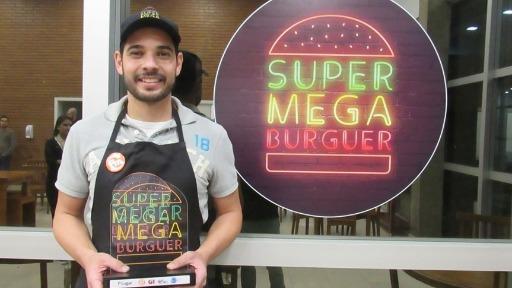 3º Super Mega Burguer