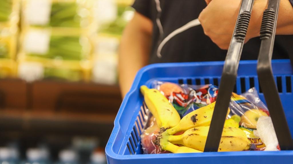 Dos 50 produtos que ficaram mais caros em 2021, 29 estão nos supermercados