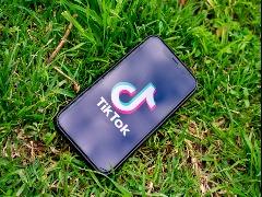 Rede social TikTok atinge a marca de um bilhão de usuários ativos por mês