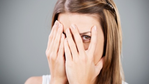 A timidez pode ser um problema! Saiba como superá-la