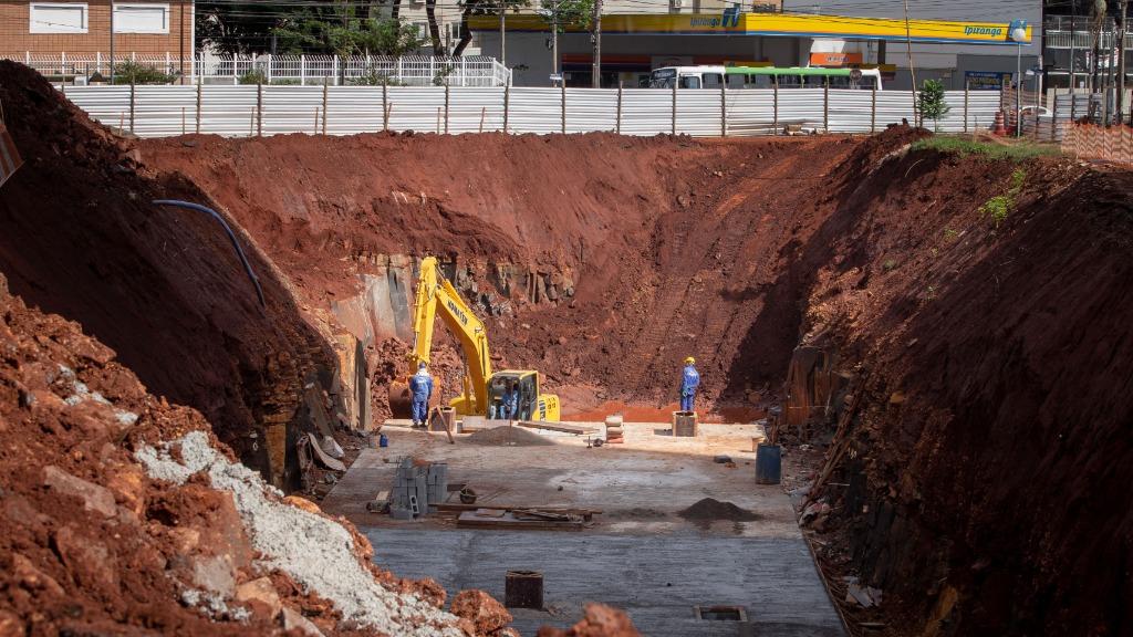 Obras paradas em Ribeirão Preto só devem ser retomadas em fevereiro de 2022, afirma secretário
