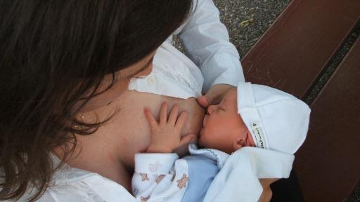 Saiba mais sobre o agosto dourado, mês de conscientização sobre o aleitamento materno