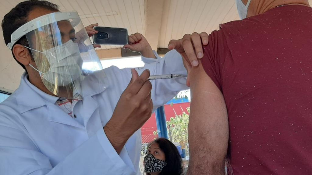 Vacinação em Araraquara (Foto: Milton Filho) - Foto: ACidade ON - Araraquara